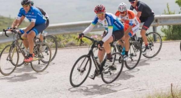 Σοβαρό ατύχημα για τον Αμερικανό πρέσβη με το ποδήλατο στην Αρεόπολη