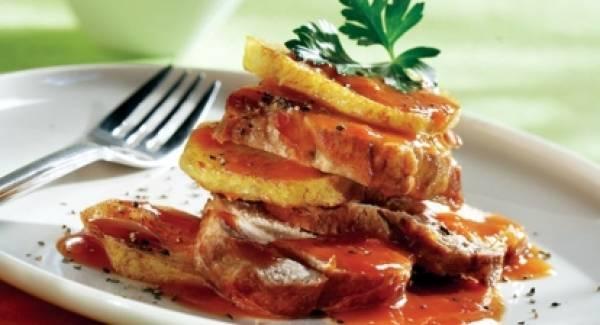 Κοκκινιστό χοιρινό με πατάτες (ρόστο)
