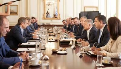 Συνάντηση του Πρωθυπουργού Κυριάκου Μητσοτάκη με τους Περιφερειάρχες