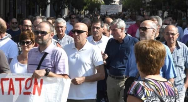 Στην απεργιακή συγκέντρωση και πορεία ο Δήμαρχος Πατρέων