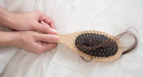 Άγχος & stress: Πώς επιδρούν στην υγεία των μαλλιών