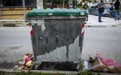 Νεογέννητο στα σκουπίδια στην Καλαμάτα (video)