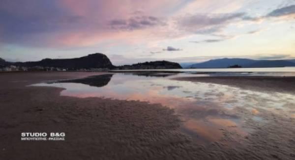 Χάθηκε η θάλασσα στο Ναύπλιο