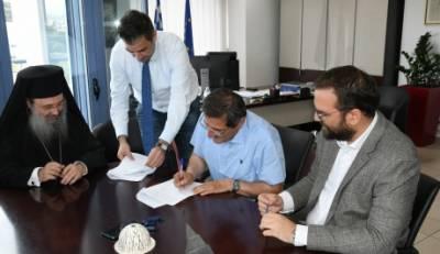 Υπογράφηκε η σύμβαση έργου κατασκευής ασφαλούς δρόμου προς την Ι.Μ. Ομπλού
