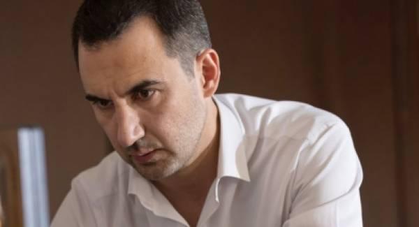 Ερώτηση για τη στήριξη των ιδιοκτητών τουριστικών λεωφορείων συνυπέγραψαν ο Αλέξης Χαρίτσης και 30 βουλευτές του ΣΥΡΙΖΑ