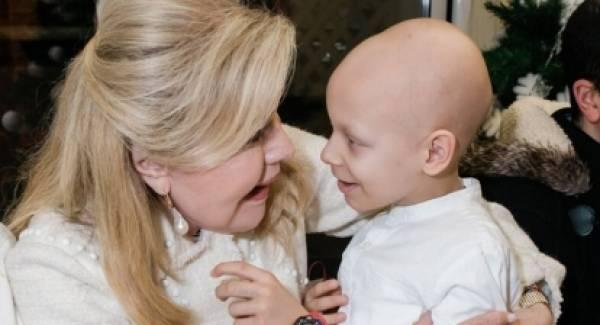 Ο 8χρονος Χρήστος έχασε τη μάχη με τον καρκίνο! Η Μαριάννα Βαρδινογιάννη συγκλονισμένη!