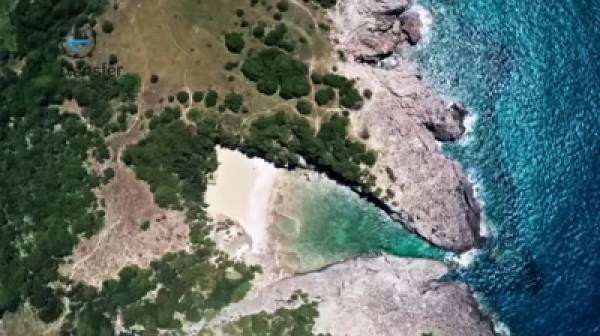 Μεσσηνία: Αυτή είναι η κρυμμένη παραλία που κερδίζει συνεχώς οπαδούς! (video)