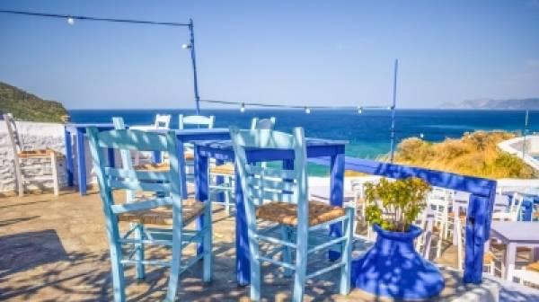 Ένας στους δύο Έλληνες δεν μπορεί  να κάνει ούτε μια εβδομάδα διακοπές
