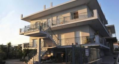 Πωλούνται διαμερίσματα στην Σκάλα Λακωνίας