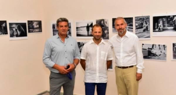 Επιτυχημένα εγκαίνια της Έκθεσης Φωτογραφίας του Αλέξανδρου Μπουγάδη