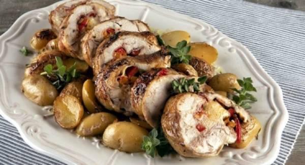 Ρολό κοτόπουλο με πατάτες στο φούρνο