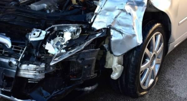 Αργολίδα: Σύγκρουση δύο αυτοκινήτων στην Πυργέλα Άργους (photos)