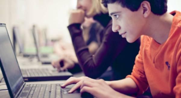 Οι τρίτεκνοι ζητούν δωρεάν ηλεκτρονικές συσκευές, ίντερνετ και ενοίκιο φοιτητών