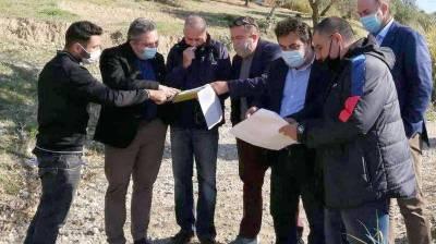 Εγκαταστάθηκε ο εργολάβος για τεχνικά έργα βελτίωσης αγροτικών δρόμων στην Καρυά Πύργου