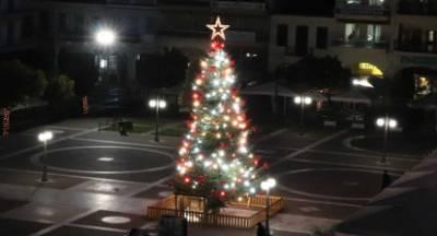 Δοκιμές στο Χριστουγεννιάτικο δένδρο της Σπάρτης (live)