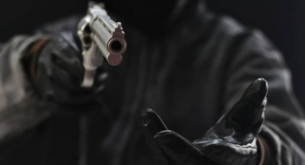 Ληστεία με απειλή όπλου σε εργοστάσιο στον Μελιγαλά. Σε εξέλιξη οι έρευνες της Αστυνομίας