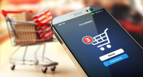 Ανοικτά την Κυριακή τα εμπορικά καταστήματα με click away