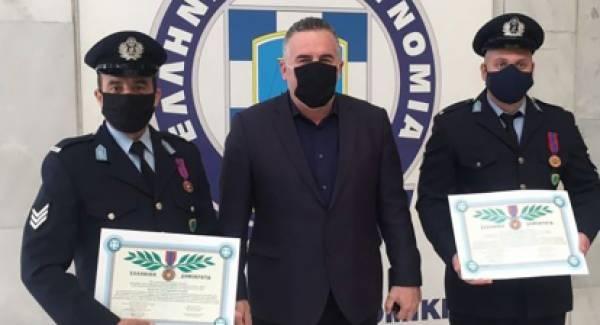 Αστυνομικοί παράδειγμα προς μίμηση