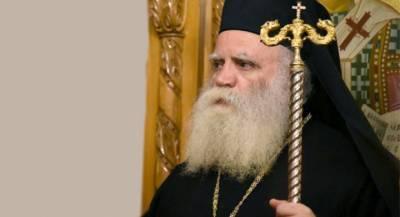 Σεραφείμ Κυθήρων: «Δεν κλείνω τις πόρτες της Εκκλησίας σε κανέναν!»