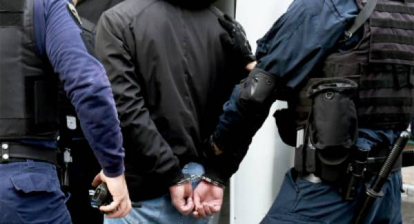 Συλλήψεις στην Πελοπόννησο για ναρκωτικά, όπλα και καταδίκες
