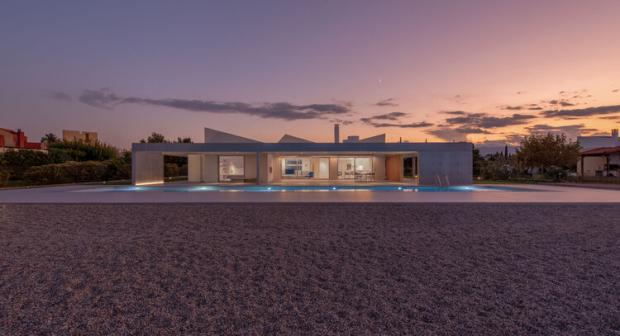 https://cdn.np-media.gr/media/news/2021/01/11/57712/photos/snapshot/2021-01-11_53_beach-house-neratza11.jpg