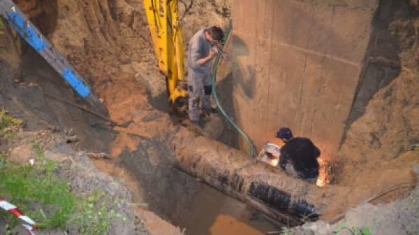 Αποκαταστάθηκε μεγάλη βλάβη στον κεντρικό αγωγό ύδρευσης Καλαμάτας