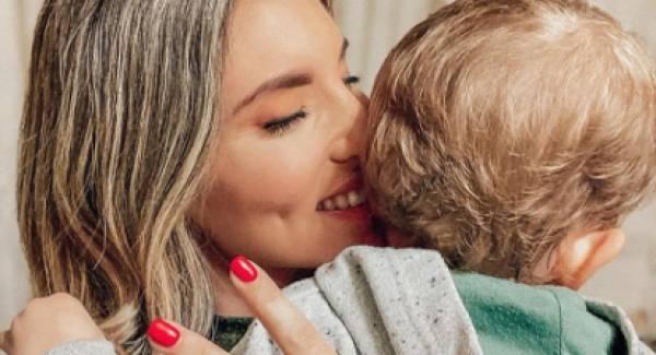 Έγκυος στο δεύτερο παιδί της η Αθηνά Οικονομάκου