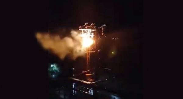 Bραχυκύκλωμα και φωτιά σε κολόνα της ΔΕΗ σήκωσε στο πόδι το Λουτράκι