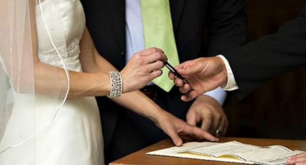 Με… δήμαρχο και κουμπάρο οι γάμοι στην Πάτρα!