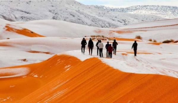 Απίστευτο, μοναδικό, αφύσικο και … φυσικό! Χιόνισε στη Σαχάρα! (video)