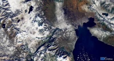 Copernicus: Η Ελλάδα στα λευκά από την κακοκαιρία «Λέανδρος»