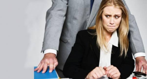 Νέες αποκαλύψεις: «Έλεγα στους συναδέλφους ότι με παρενοχλούσε σεξουαλικά και αυτοί αδιαφορούσαν» (video)