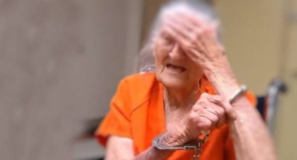 Η γιαγιά του Αλ Καπόνε: Έπαιρνε 3 συντάξεις, πούλαγε ηρωίνη και τώρα ζητά 100.000 € αποζημίωση από το κράτος!