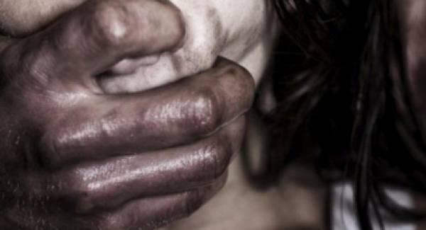 Σουδανός αποπειράθηκε να βιάσει κοπέλες στην Καλαμάτα