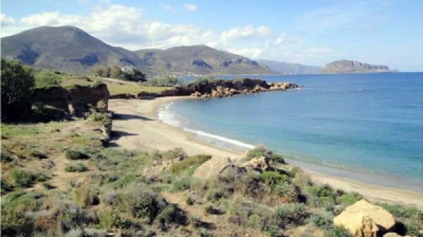 Διαβρώνεται παραλία της Μονεμβασιάς
