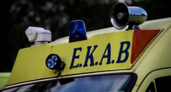 Κορινθία: Τροχαίο ατύχημα με τραυματίες στο Ζευγολατιό (photos)