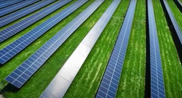 Για φωτοβολταϊκά στη Μεγαλόπολη συζήτησαν Σκρέκας- Ράιχελ