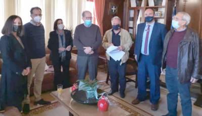 Ο  Νίκας υπέγραψε την αναβάθμιση του Ιστορικού και Λαογραφικού Μουσείου Κορίνθου