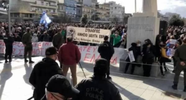 Οι πολίτες του Έβρου αντιδρούν έντονα στη δομή λαθρομεταναστών (video)