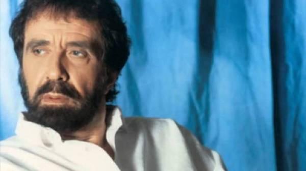 Πέθανε ο τραγουδιστής Αντώνης Καλογιάννης