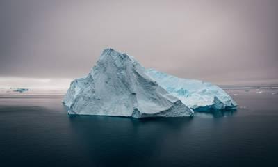 Τεράστιο παγόβουνο που αποκολλήθηκε από την Ανταρκτική απειλεί ακατοίκητο νησί (video)