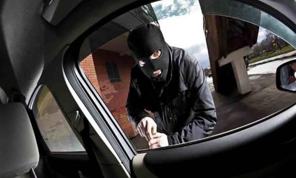 Ανήλικοι έκλεψαν αυτοκίνητα και δίκυκλο στη Λακωνία και συνελήφθησαν