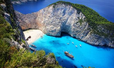 Daily Telegraph: Τα 15 καλύτερα ελληνικά νησιά για να επισκεφθεί κάποιος μετά την πανδημία