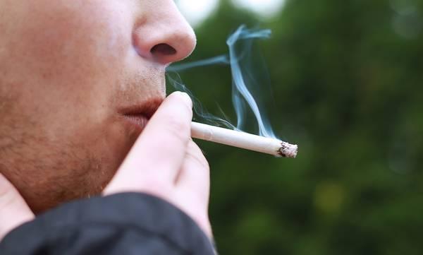 Ελλάδα: Εντυπωσιακή μείωση του καπνίσματος την τελευταία 10ετία
