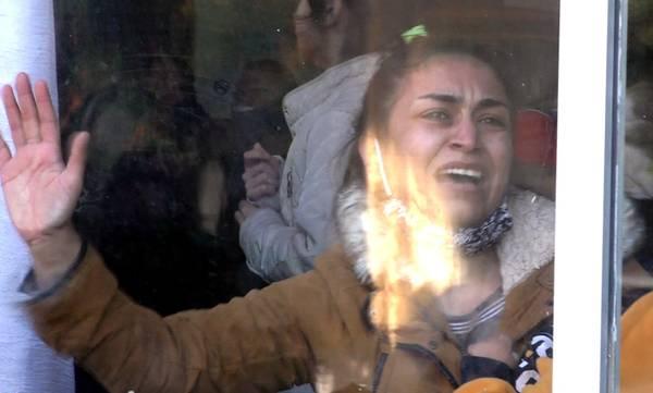 Απίστευτο δράμα! Σκηνές που θύμιζαν εμπόλεμη ζώνη στη δομή προσφύγων στη Σπάρτη! (video)