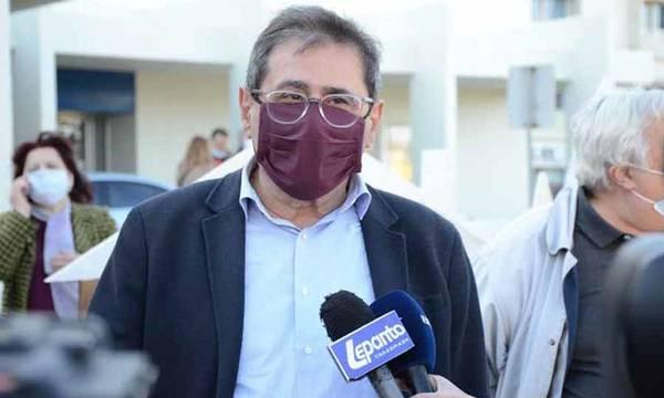 Ο Δήμαρχος Πελετίδης στην πορεία για τους δύο νεκρούς εργάτες