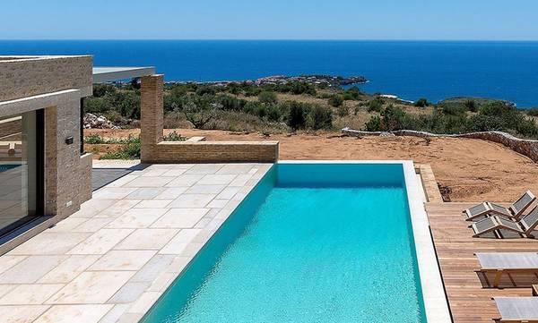 Ξένοι αγοράζουν εξοχικές κατοικίες σε Σαντορίνη, Μύκονο, Μάνη, Κρήτη, Πήλιο, Χαλκιδική!