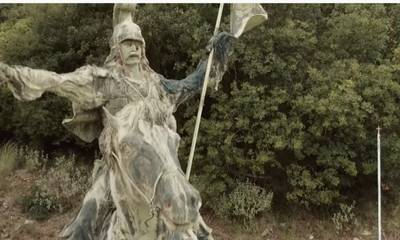 Ραμοβούνι Μεσσηνίας: Εγκατέλειψαν τον ανδριάντα του Κολοκοτρώνη σε μια χρονιά ορόσημο