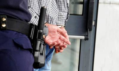 Mπαράζ συλλήψεων στην Κορινθία