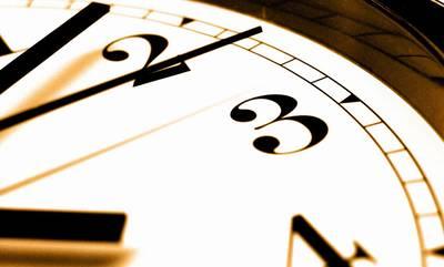 Αλλάζει η ώρα την Κυριακή από 03:00 σε 04:00